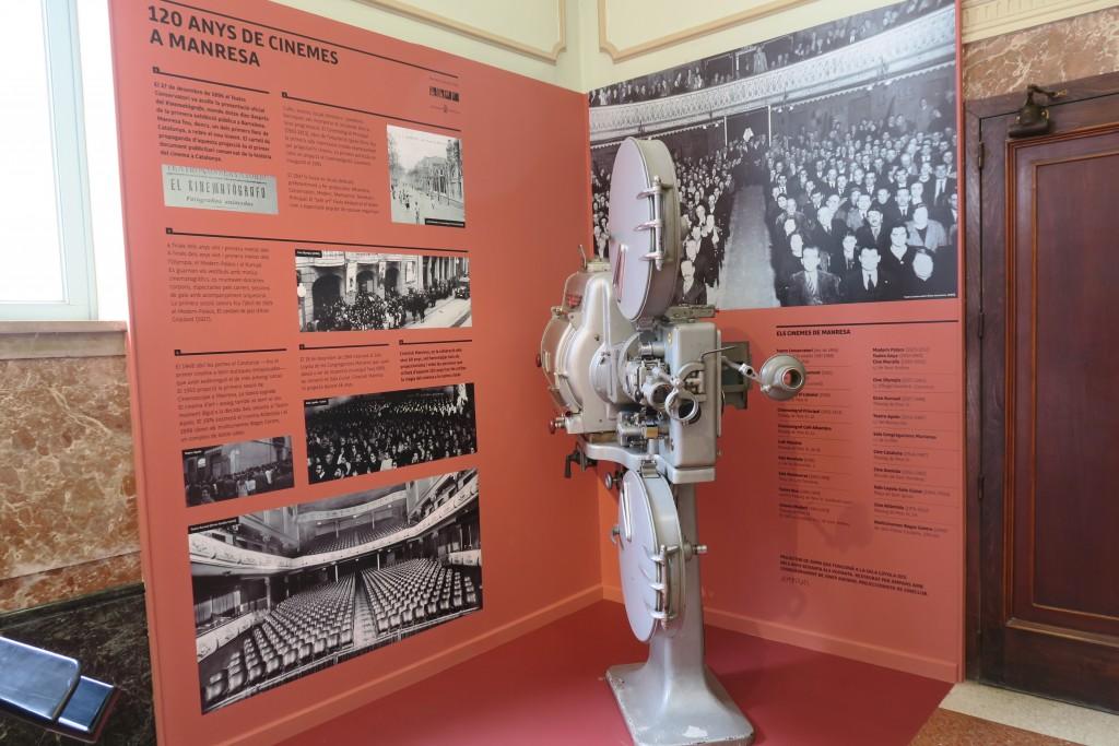Instal·lació 120 anys de cinema a Manresa
